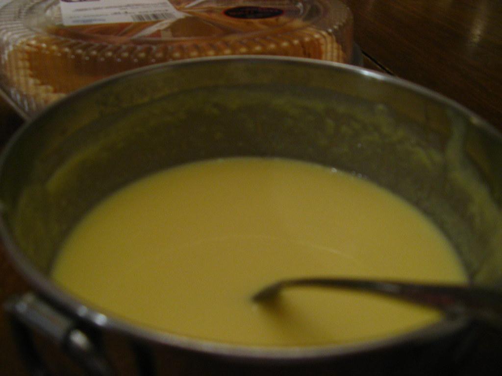 Grumeaux dans crème anglaise
